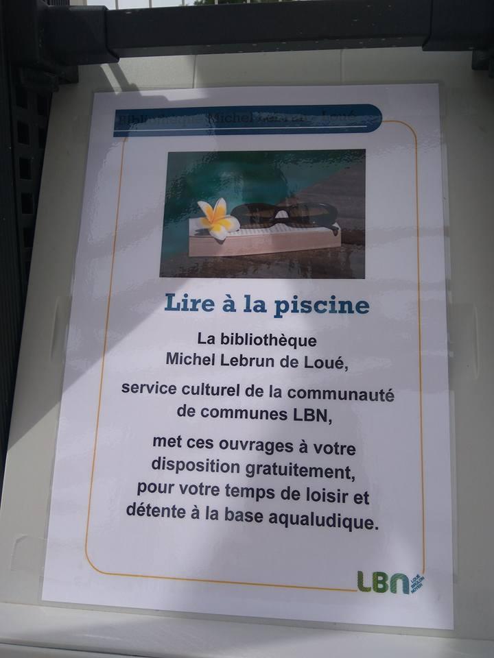 Affiche lire à la piscine